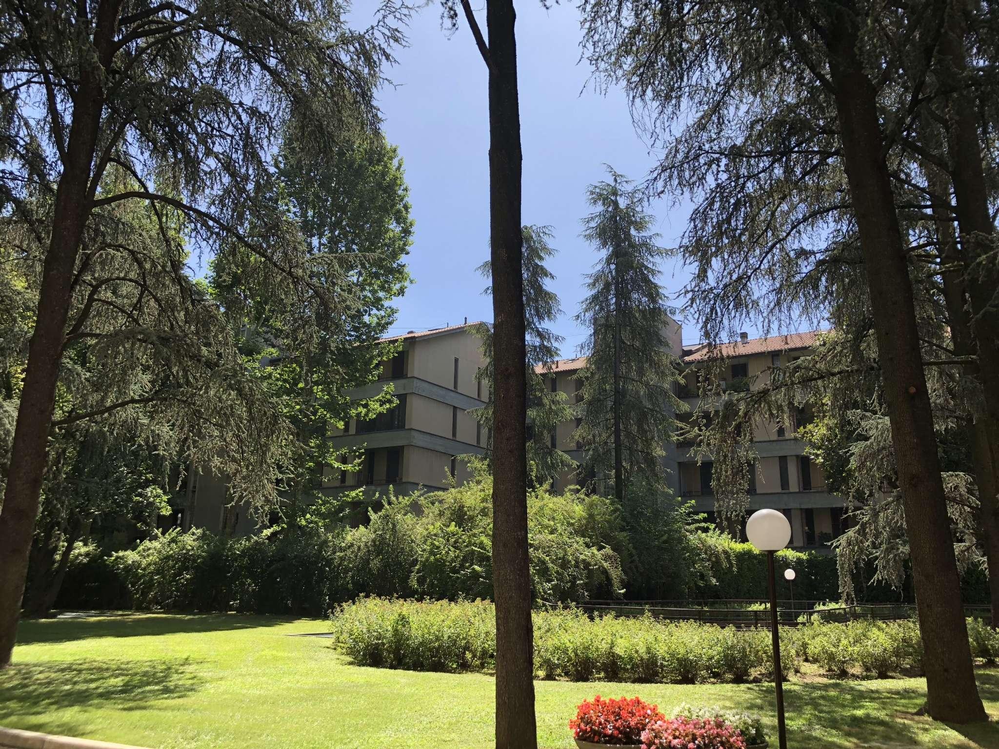 Appartamento in buone condizioni arredato in affitto Rif. 7301293