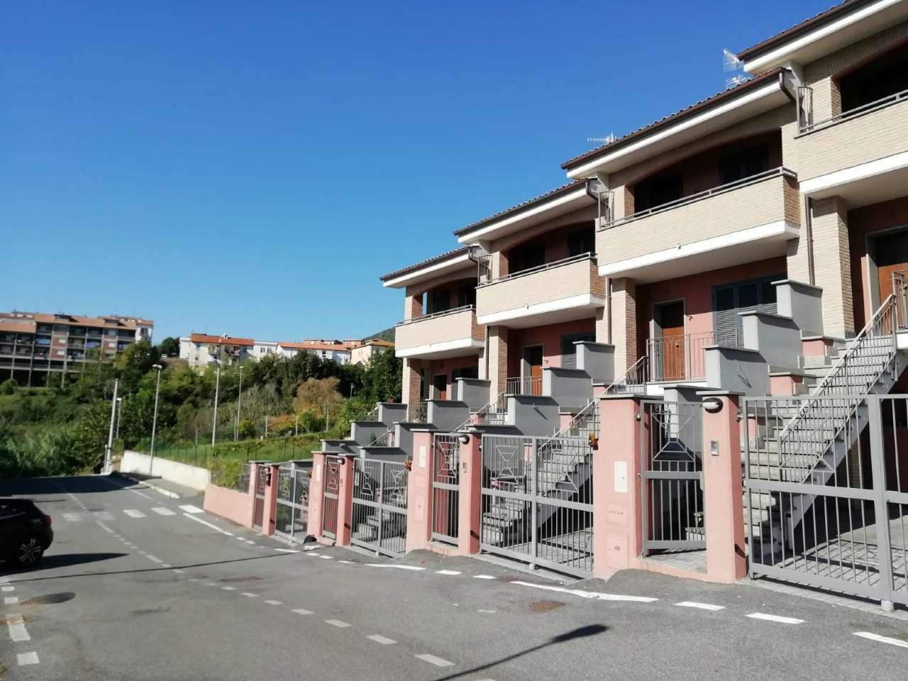 Villa a Schiera in vendita a Genazzano, 5 locali, prezzo € 248.000   CambioCasa.it