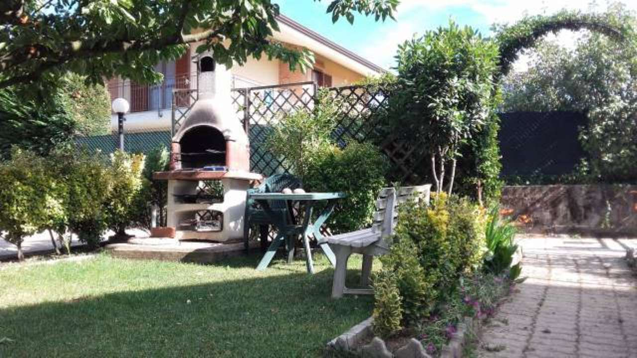 Villa in Vendita a Rosta