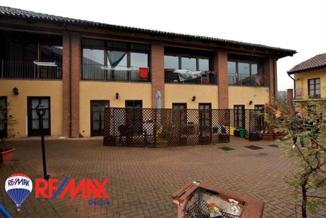 Appartamento in buone condizioni in vendita Rif. 7301318