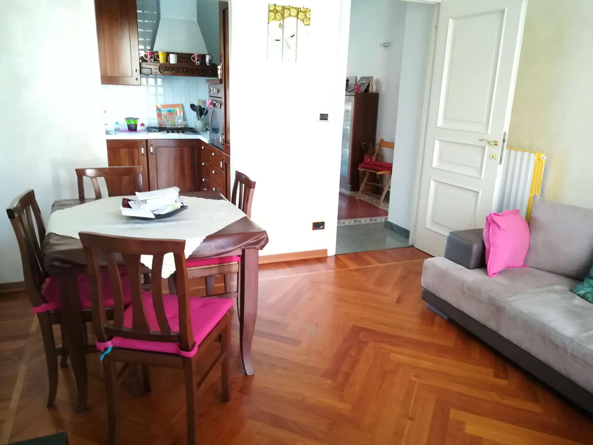 Villa Bifamiliare in vendita a Druento, 8 locali, prezzo € 390.000 | CambioCasa.it