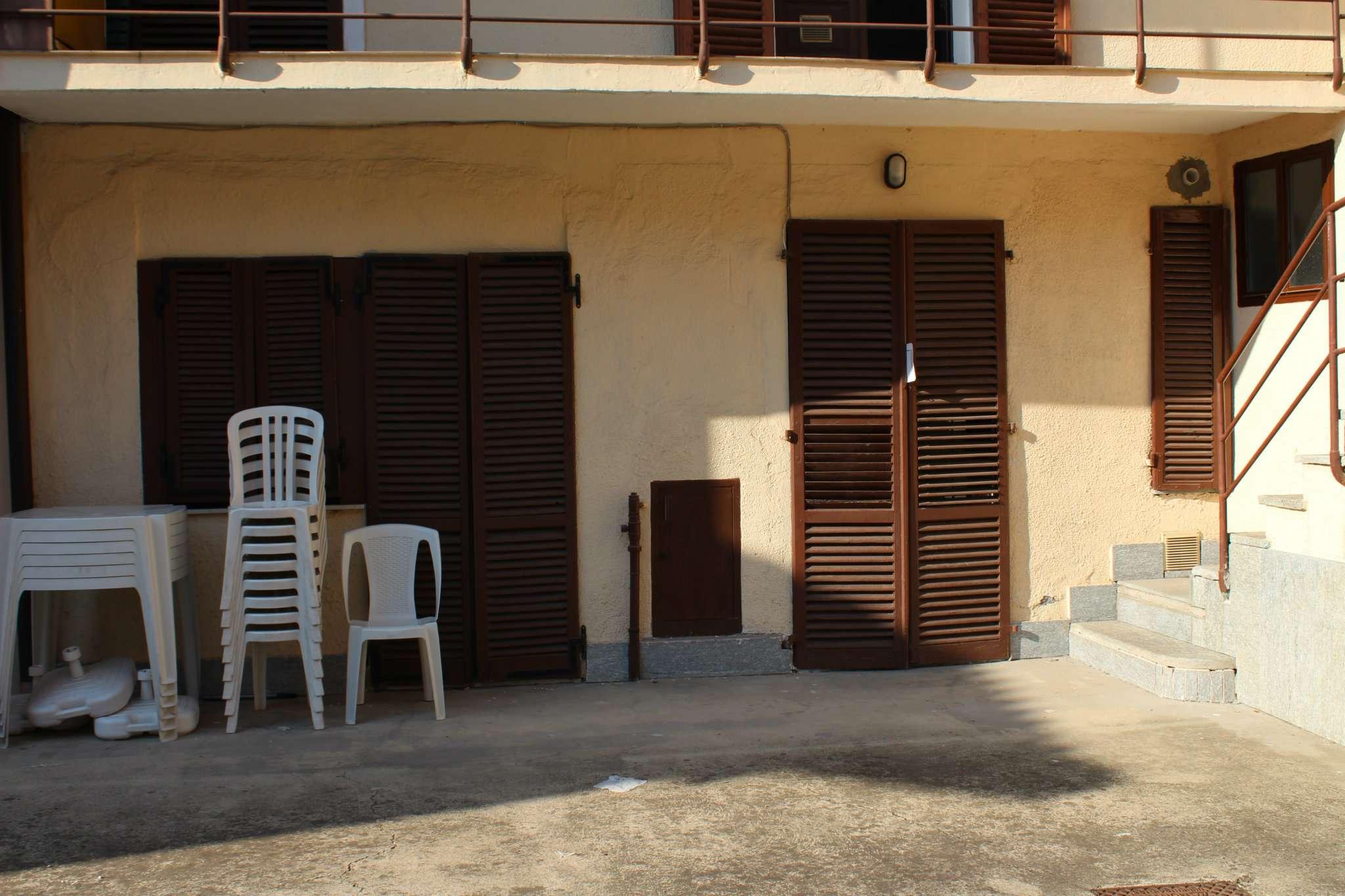 Appartamento in buone condizioni in vendita Rif. 8524544