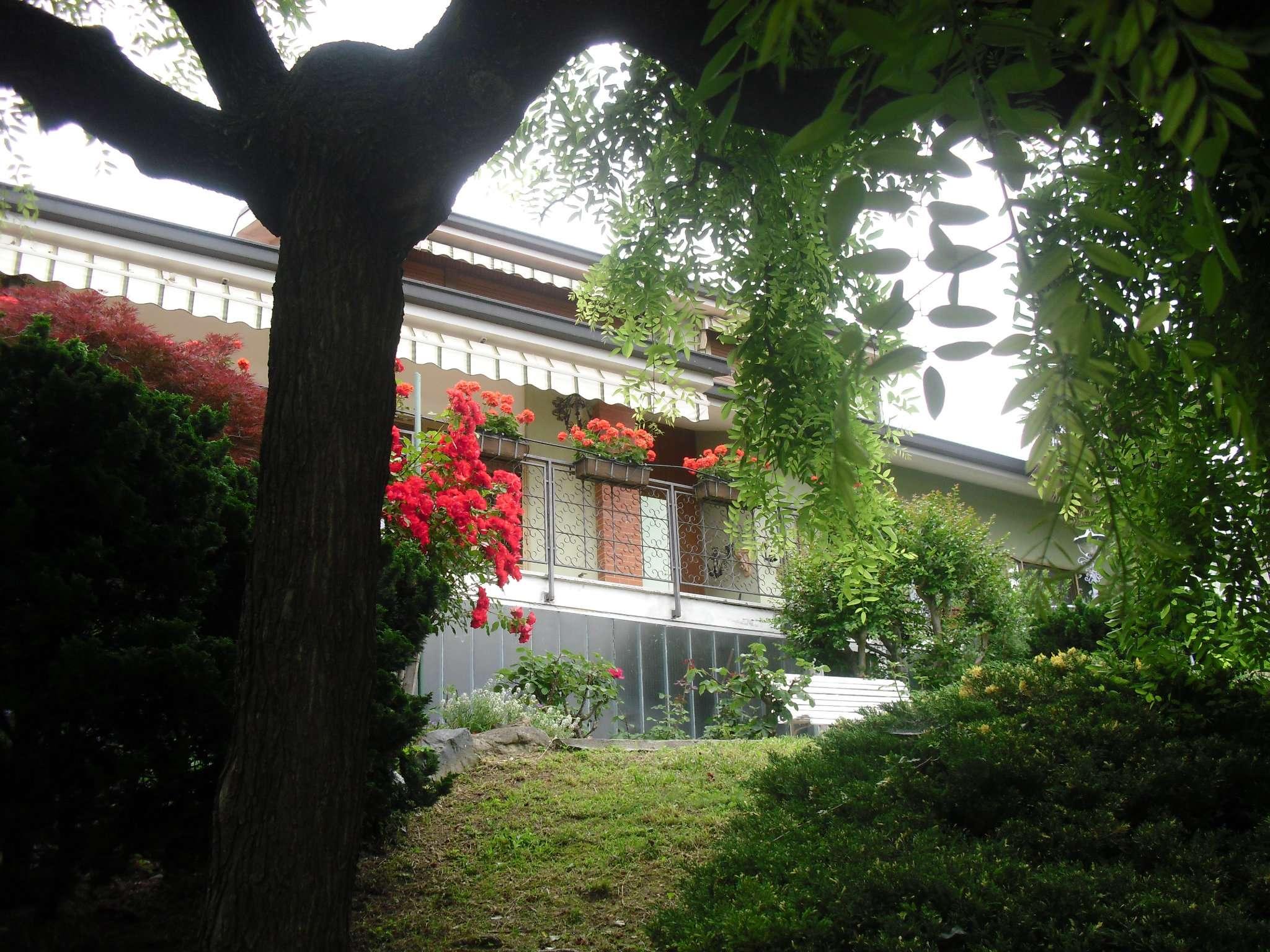 Villa in vendita a Caselette, 10 locali, prezzo € 498.000 | CambioCasa.it
