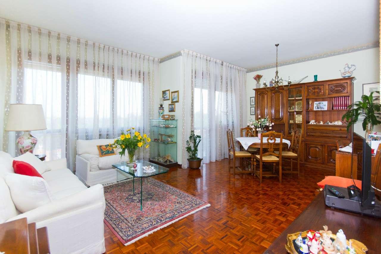 Appartamento in ottime condizioni in vendita Rif. 8612040