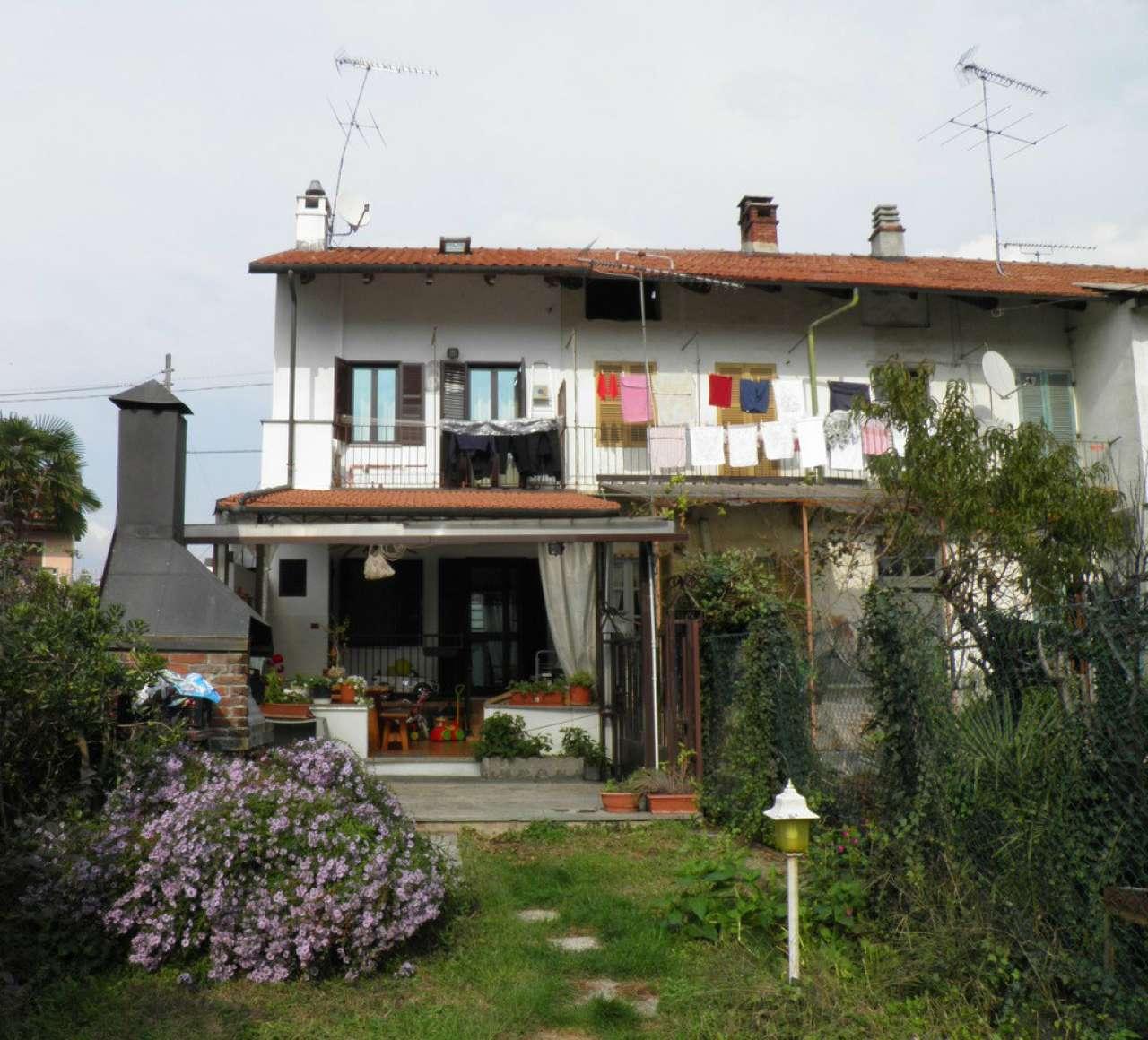 Porzione di casa in buone condizioni in vendita Rif. 8864435
