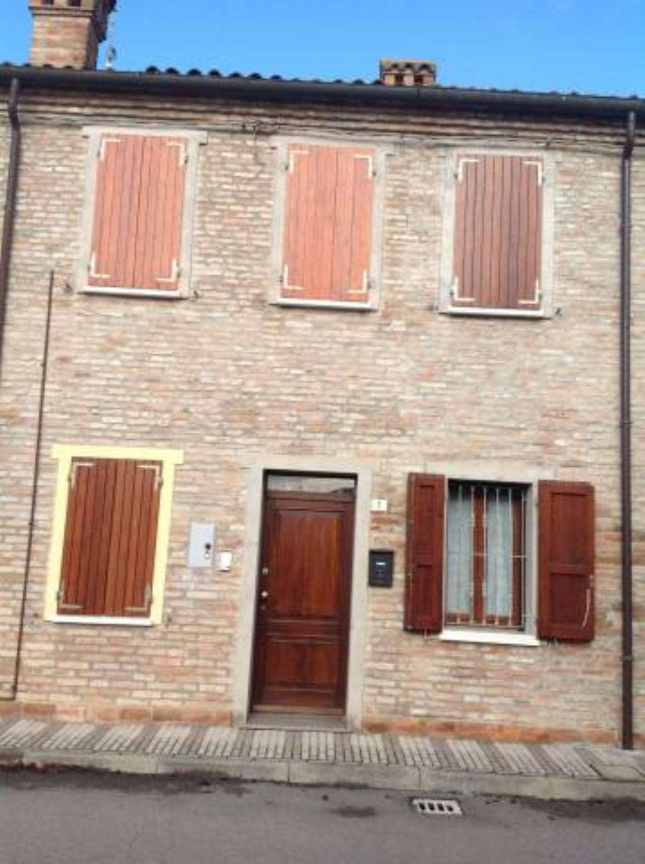 Appartamento in vendita a Masi Torello, 3 locali, prezzo € 75.000 | CambioCasa.it