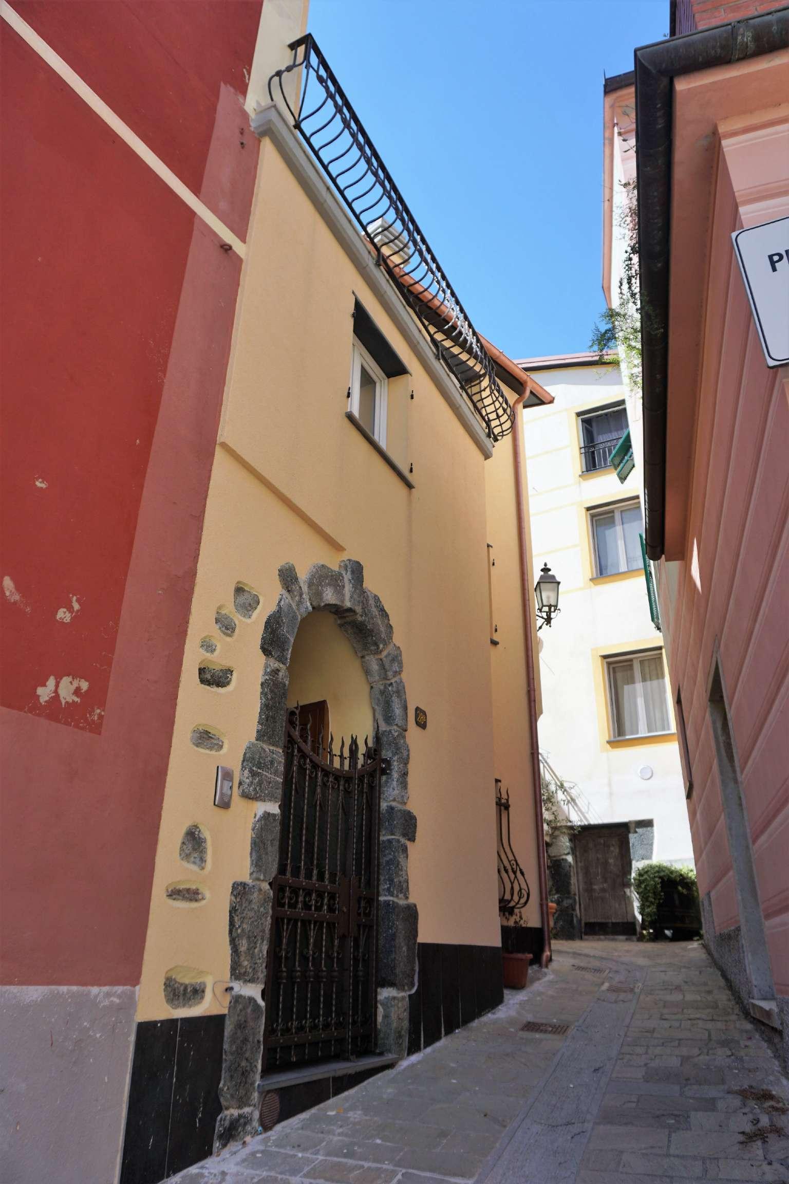 Soluzione Indipendente in vendita a Casarza Ligure, 8 locali, prezzo € 209.000 | CambioCasa.it