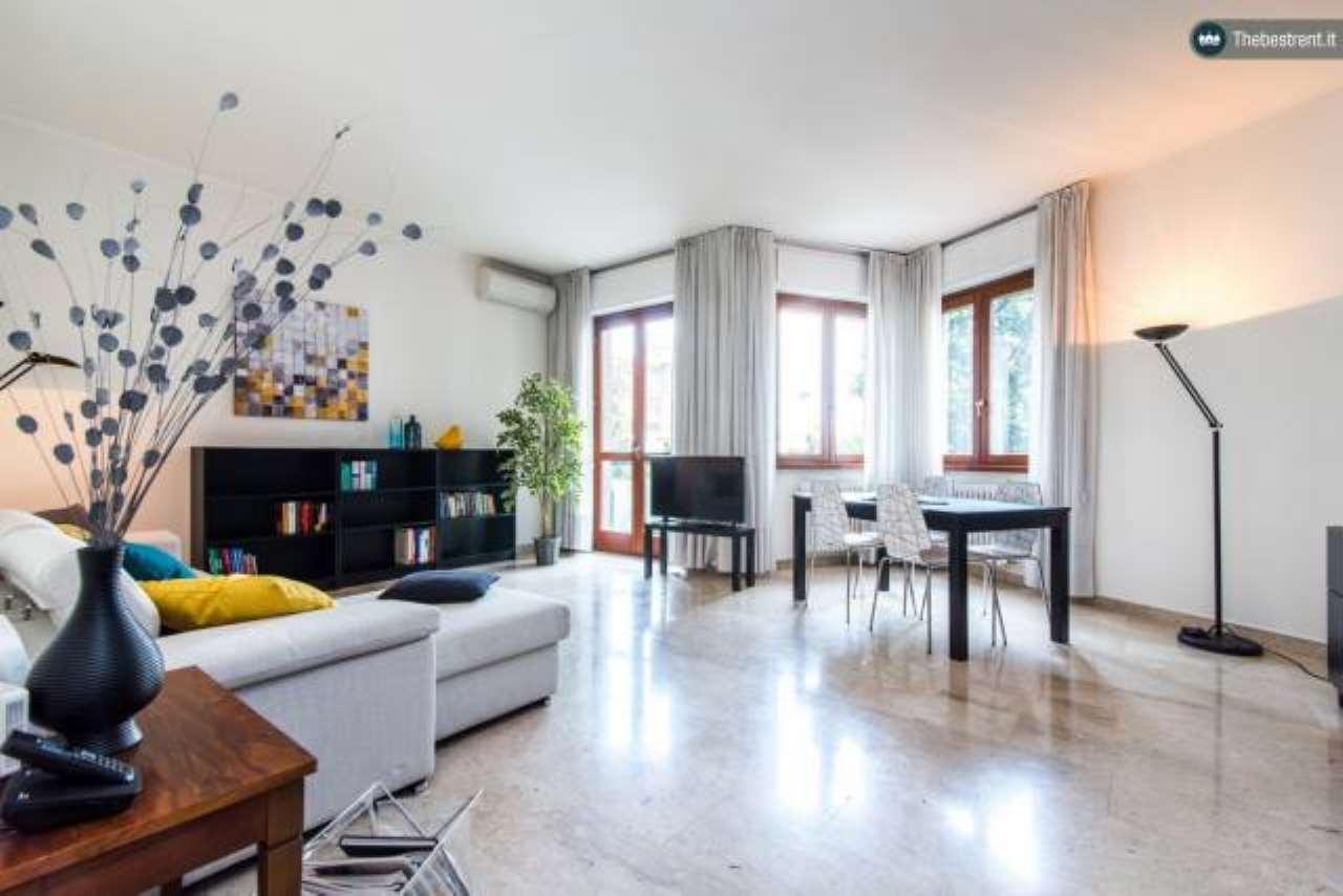Appartamento in ottime condizioni arredato in affitto Rif. 6183860