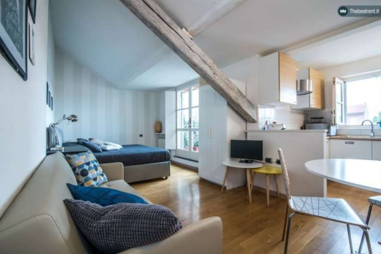 Appartamento in ottime condizioni arredato in affitto Rif. 6183861