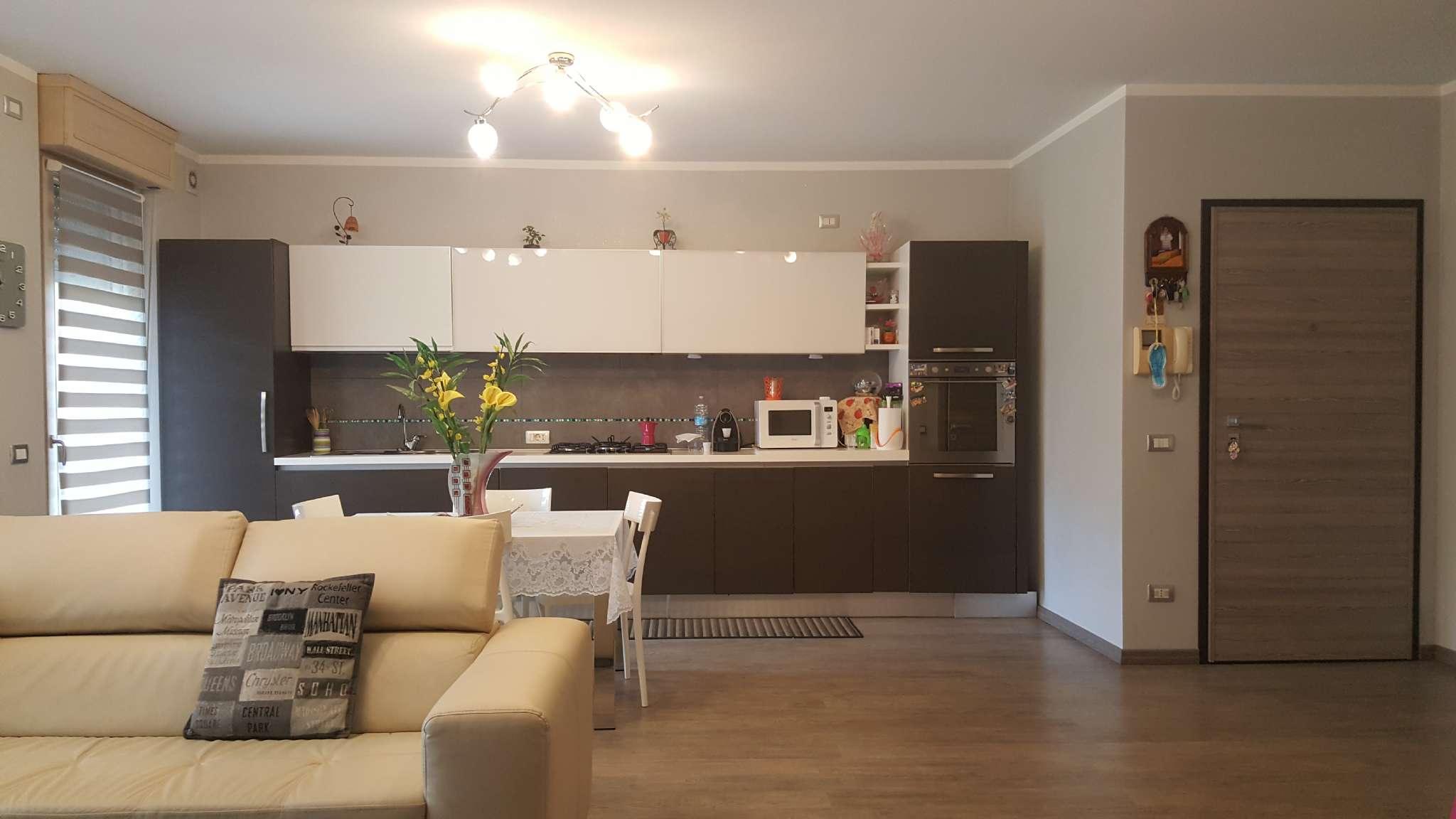 Appartamento in ottime condizioni in vendita Rif. 6266577
