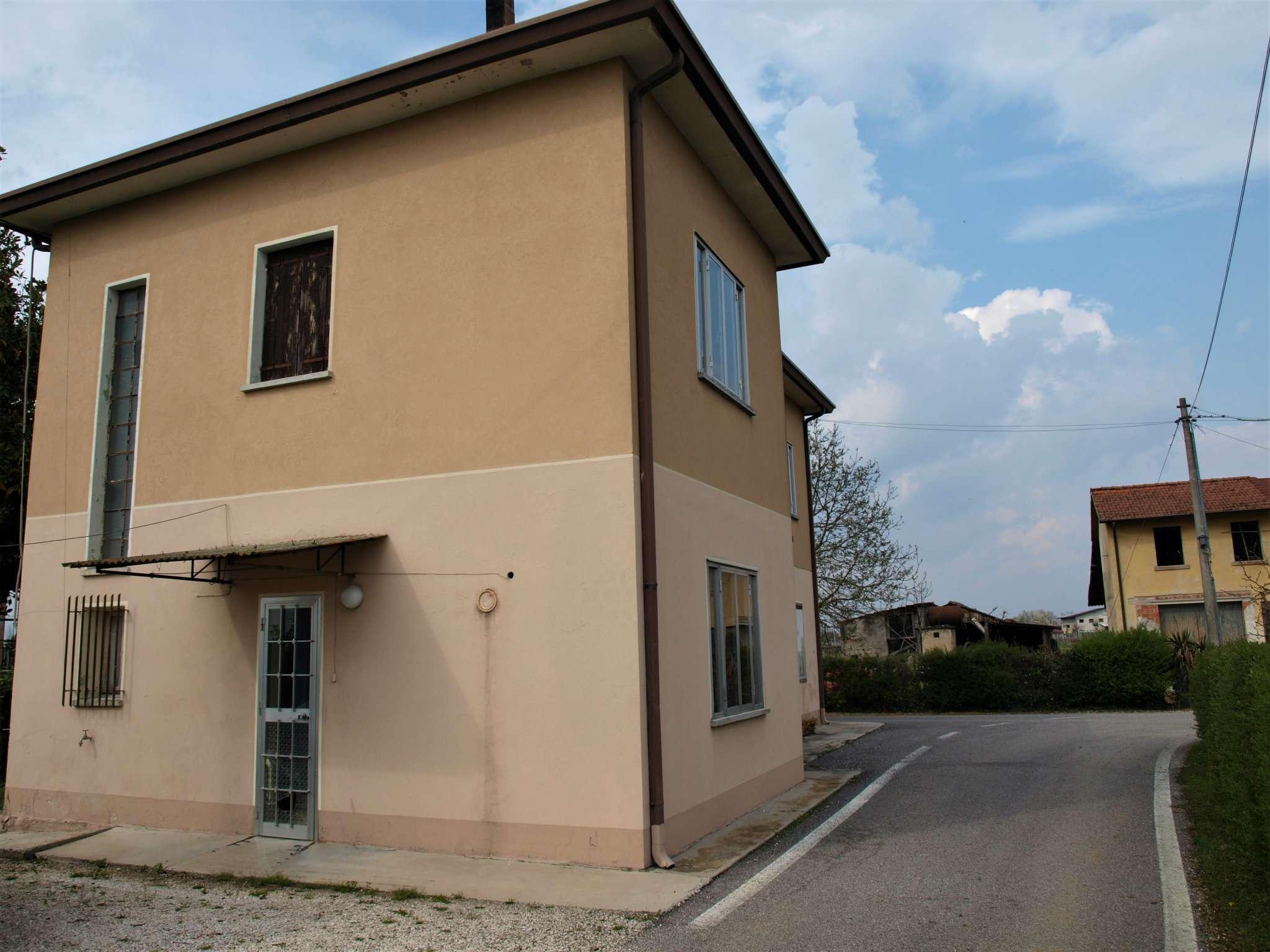 Soluzione Indipendente in vendita a Fontanelle, 4 locali, prezzo € 78.000 | CambioCasa.it
