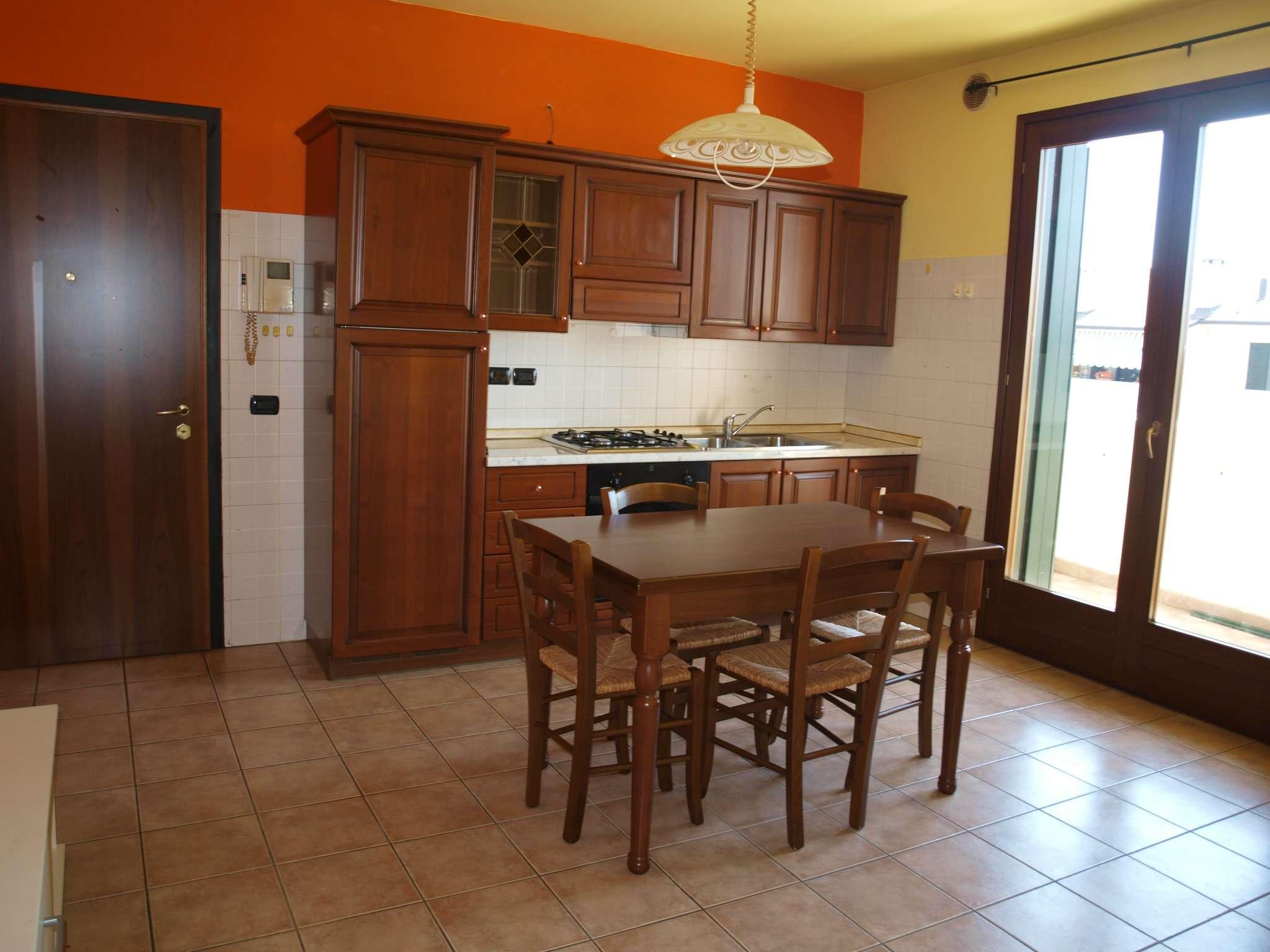 Appartamento in vendita a Fontanelle, 2 locali, prezzo € 67.000 | CambioCasa.it