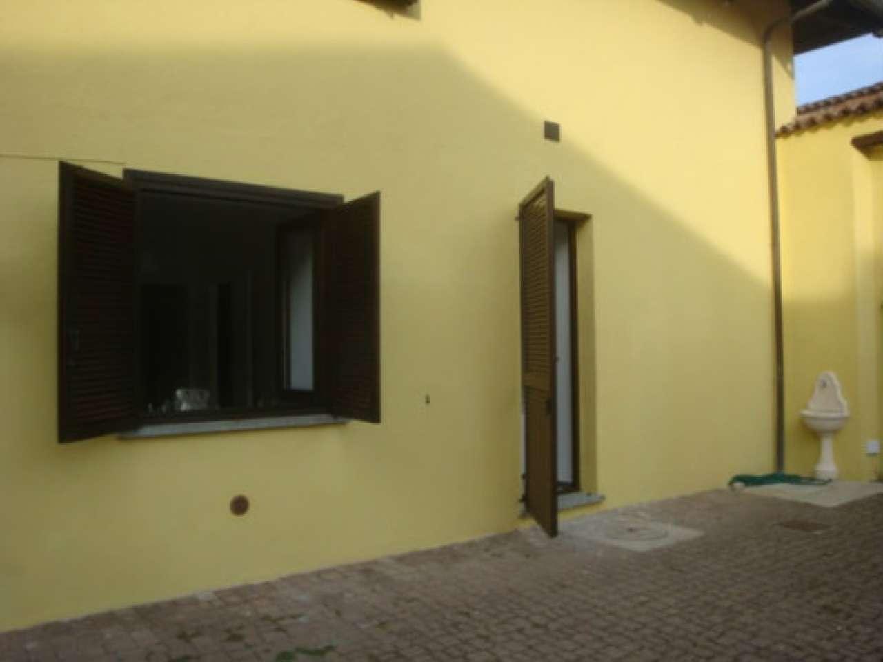 Appartamento in ottime condizioni arredato in affitto Rif. 8040495