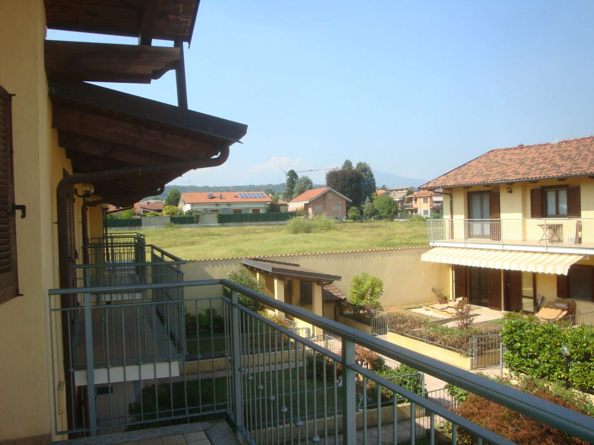 Appartamento in buone condizioni arredato in affitto Rif. 7851005