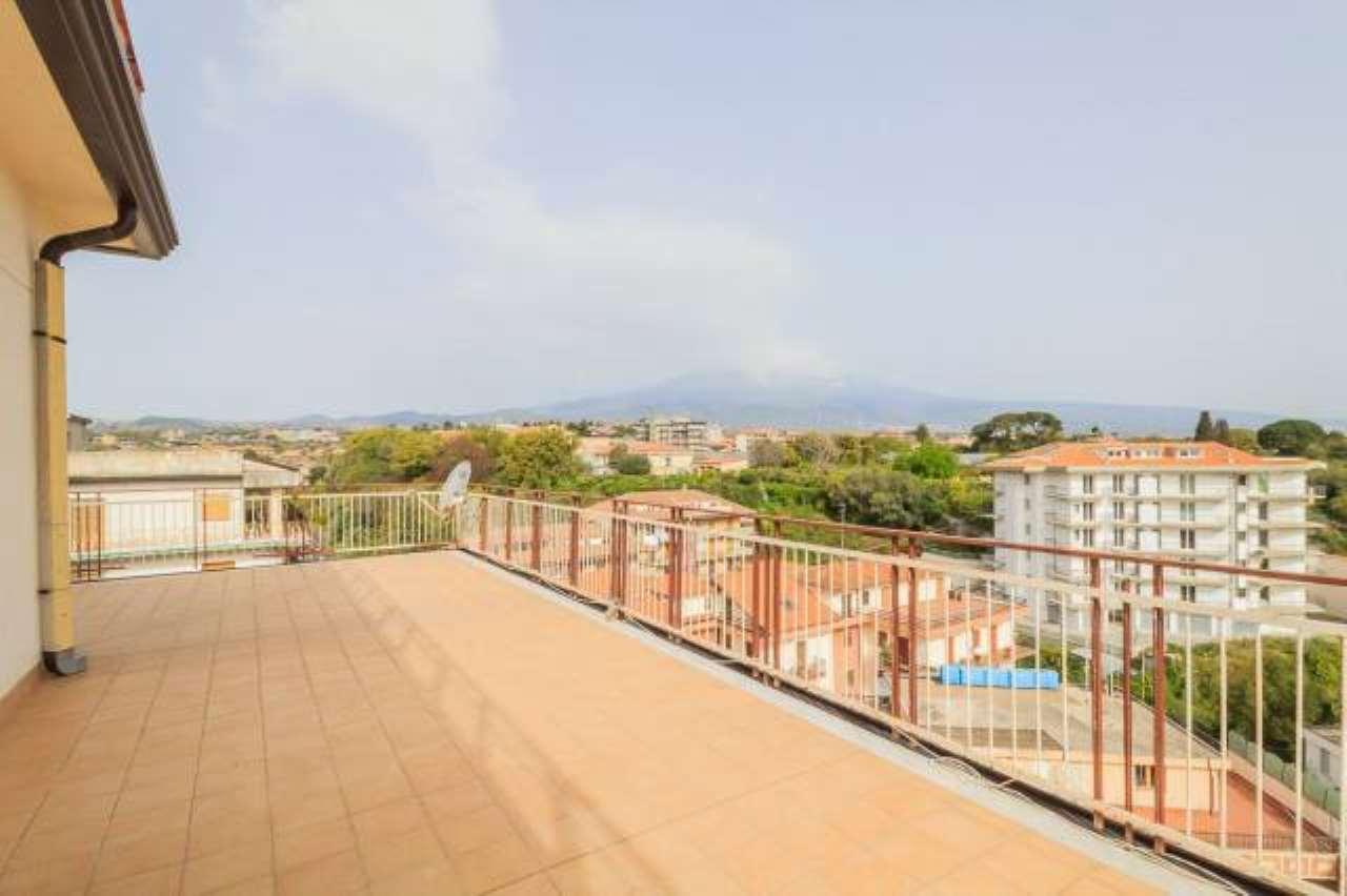 Appartamento in buone condizioni in vendita Rif. 6743349