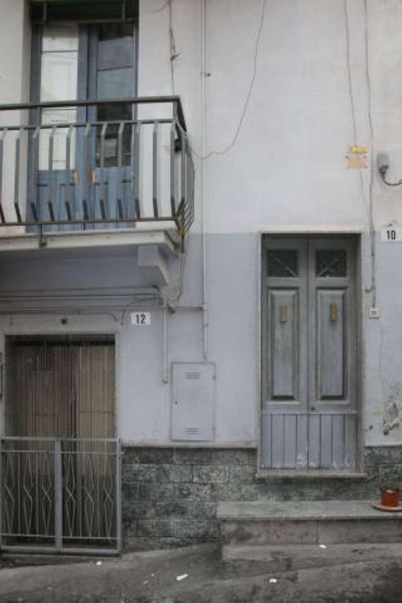 Appartamento in buone condizioni parzialmente arredato in vendita Rif. 7006065