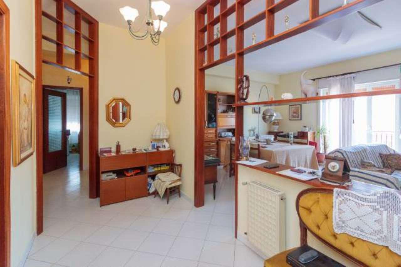 Appartamento in buone condizioni in vendita Rif. 6743368