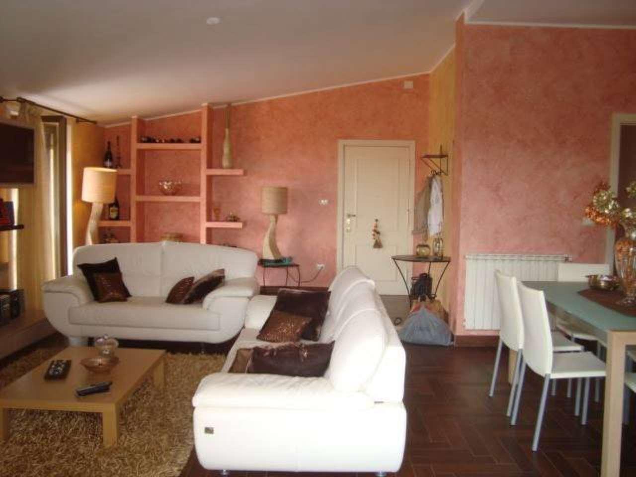 Appartamento in ottime condizioni in vendita Rif. 7006068