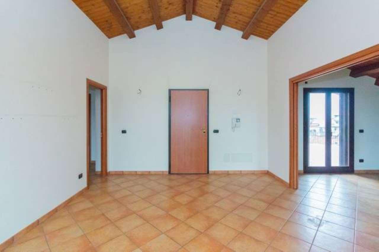 Appartamento in buone condizioni in vendita Rif. 6668831
