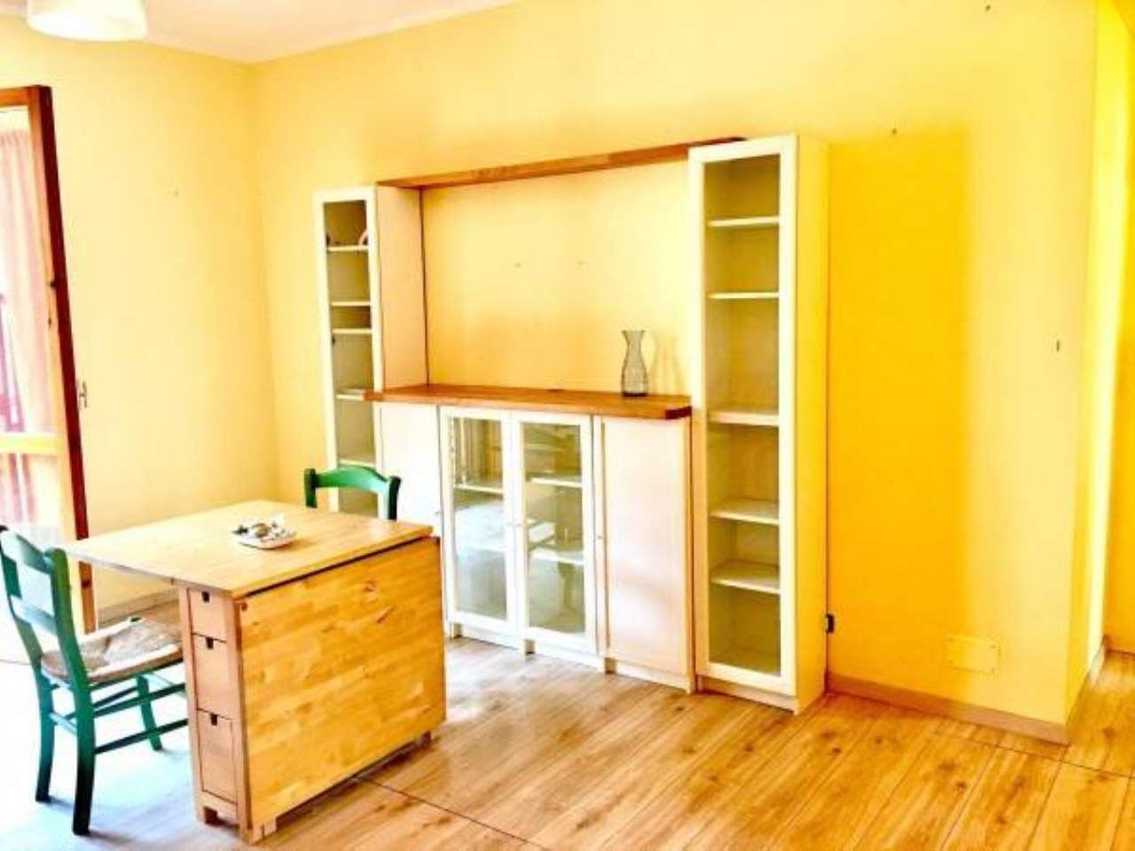 Appartamento in buone condizioni in vendita Rif. 6817451