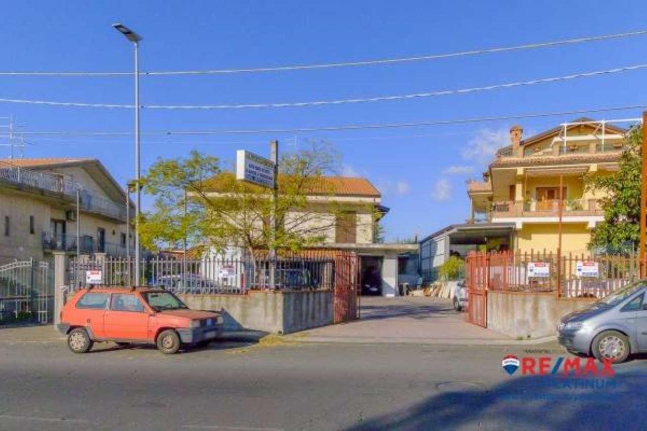Appartamento in buone condizioni in vendita Rif. 6817462
