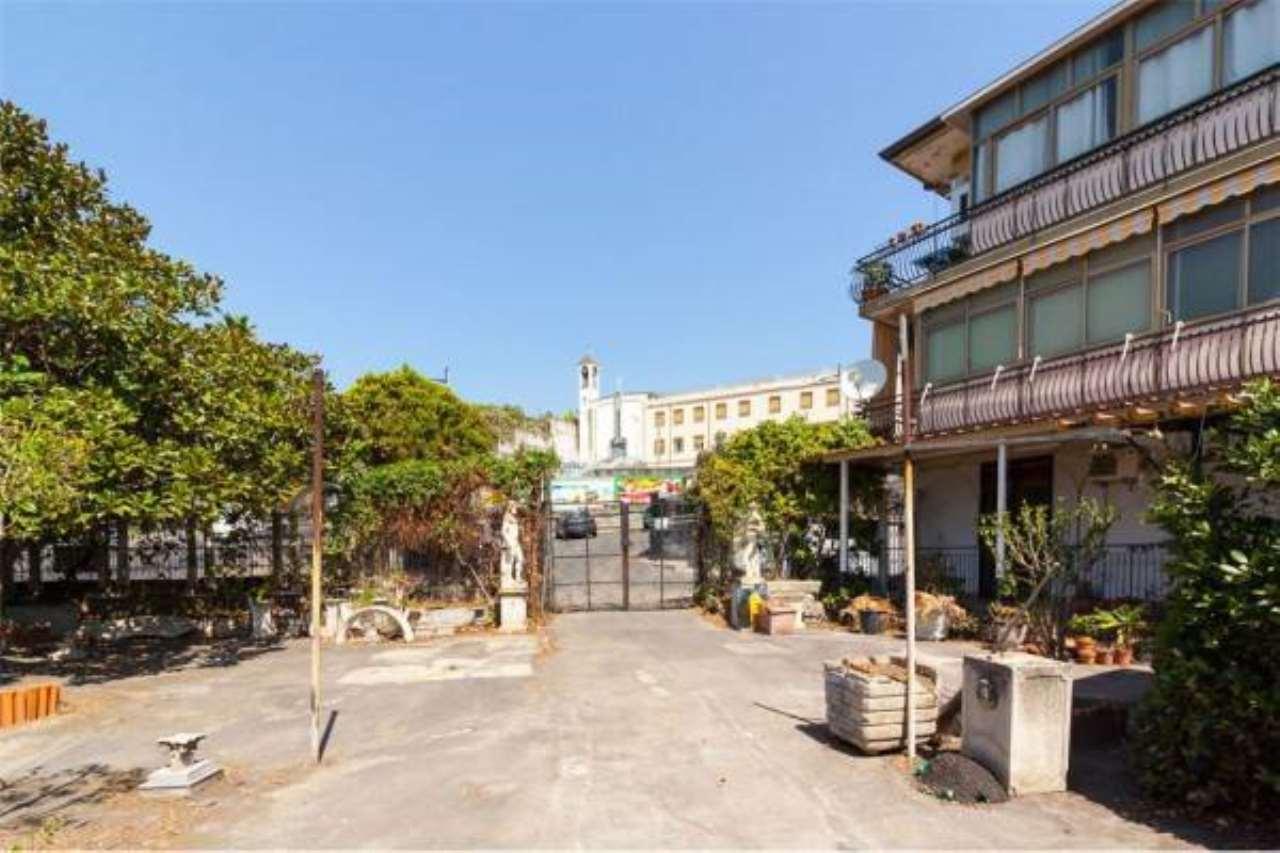 Appartamento in buone condizioni in vendita Rif. 6761970