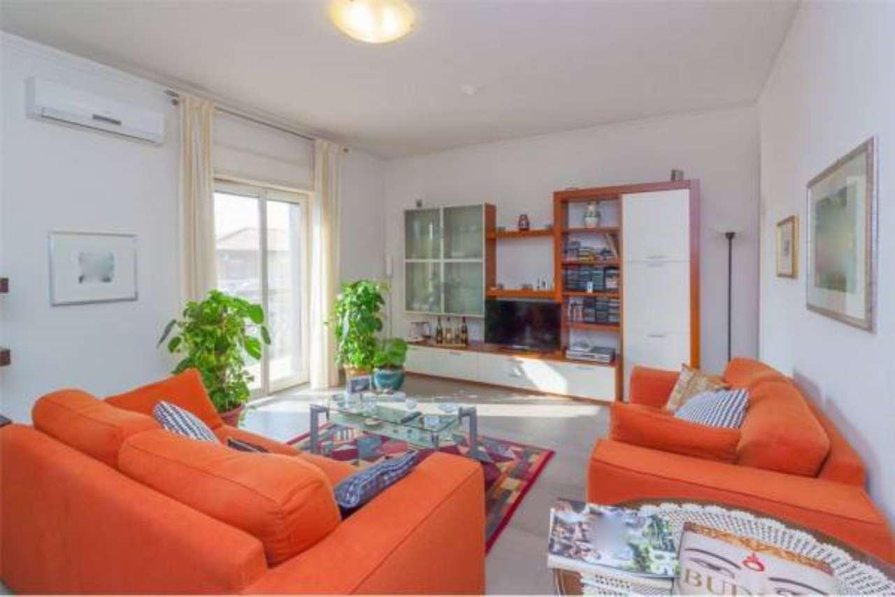 Appartamento in ottime condizioni in vendita Rif. 6730451