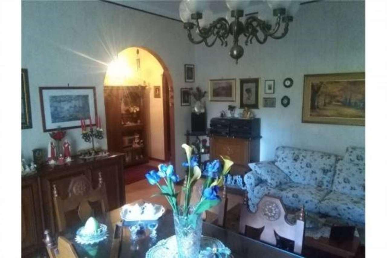 Appartamento in buone condizioni in vendita Rif. 6844577