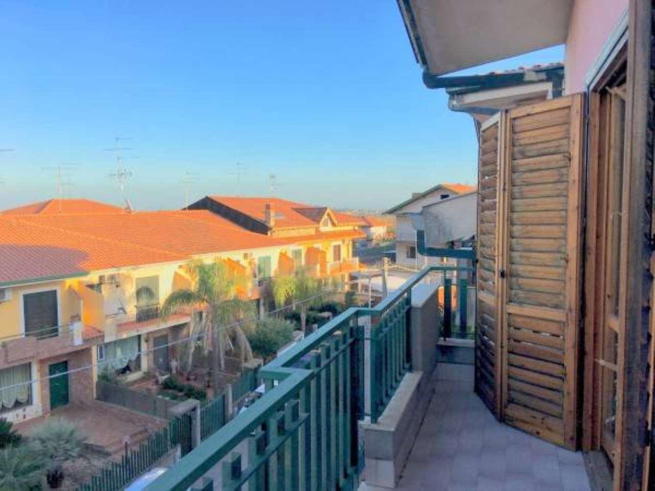 Appartamento in buone condizioni in affitto Rif. 6861136
