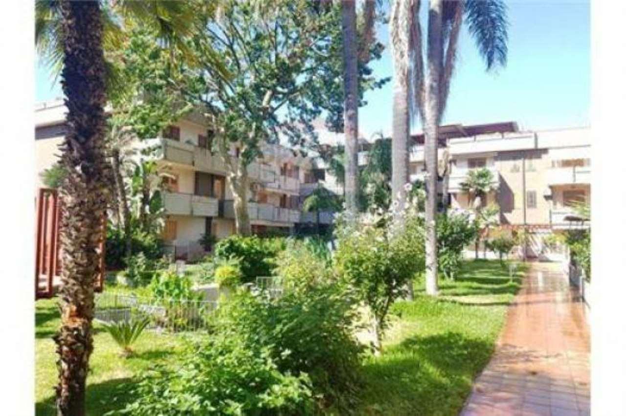 Appartamento in buone condizioni in vendita Rif. 6910784