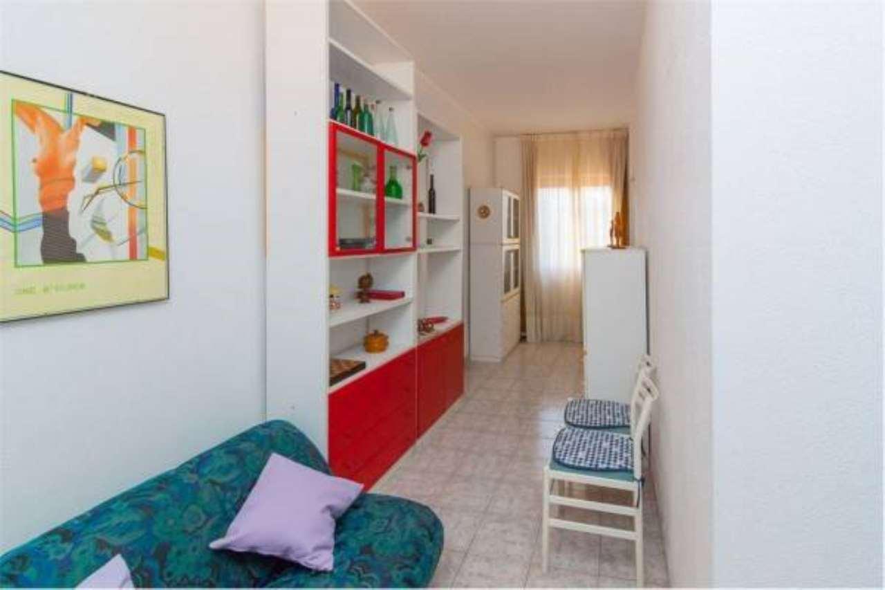 Appartamento in buone condizioni in vendita Rif. 6861155