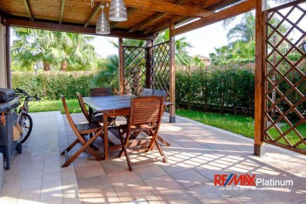 Appartamento in buone condizioni in vendita Rif. 6861156