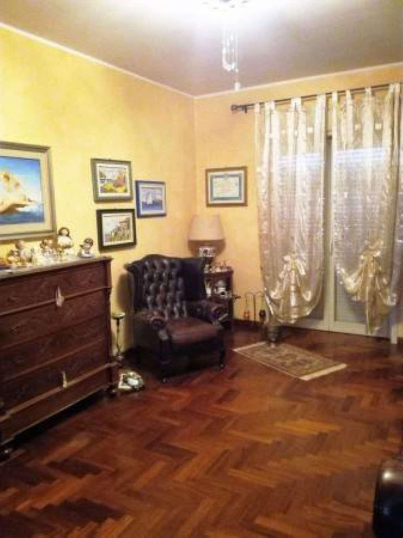 Appartamento in buone condizioni in vendita Rif. 6923548