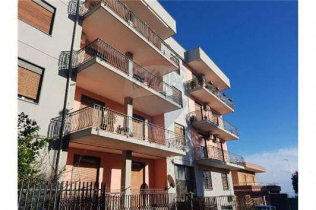 Appartamento in buone condizioni in vendita Rif. 6789057