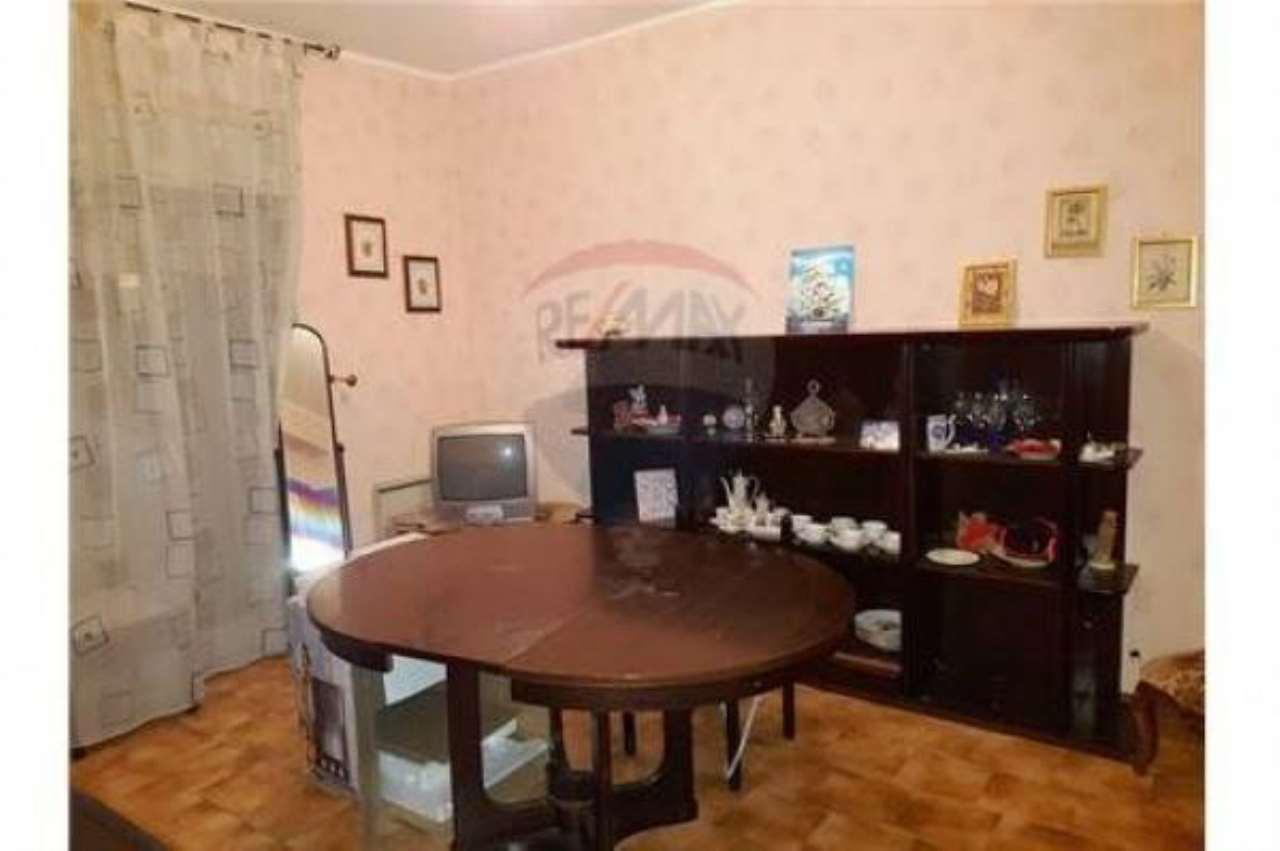 Appartamento in buone condizioni in vendita Rif. 6910785