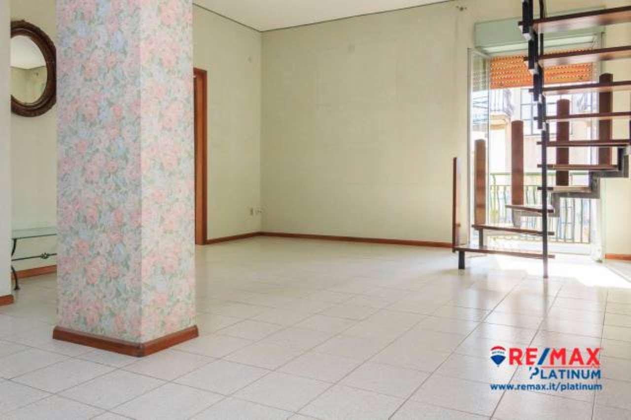 Appartamento in buone condizioni in vendita Rif. 6844593
