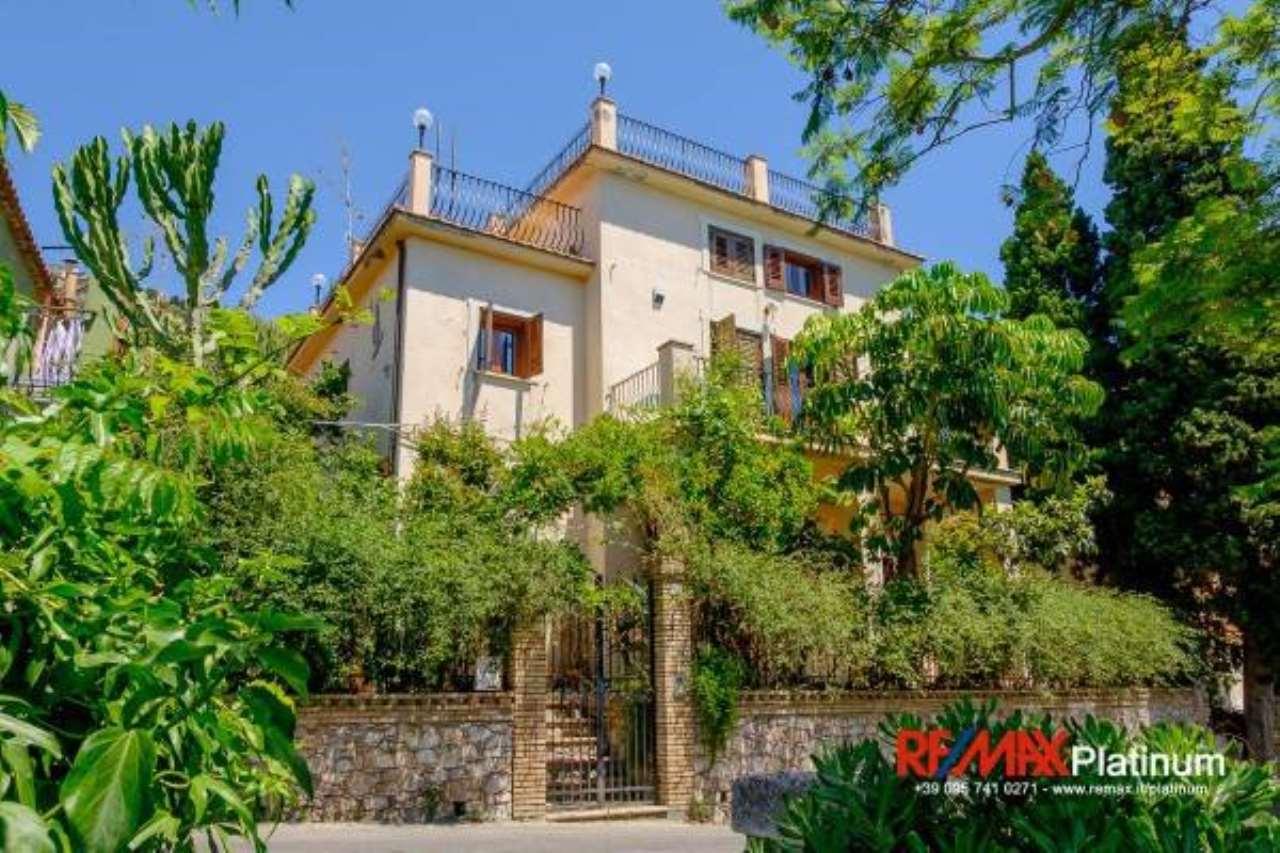 Villa in buone condizioni in vendita Rif. 6789157