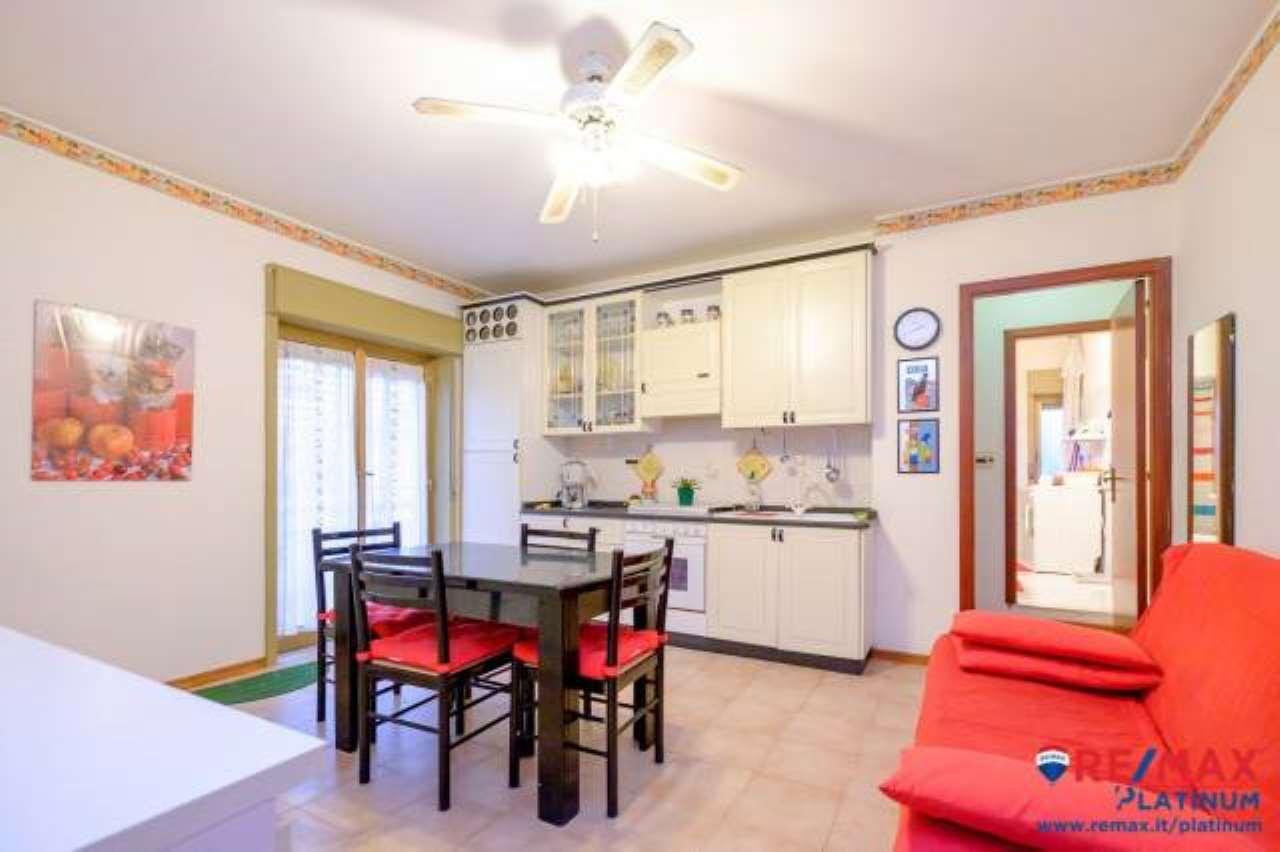 Appartamento in buone condizioni in vendita Rif. 6650916