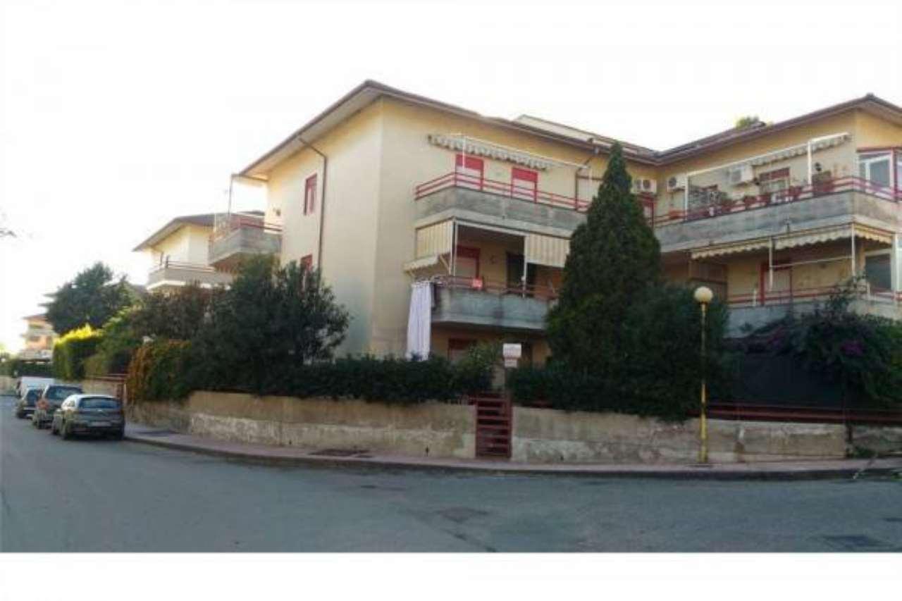 Appartamento in buone condizioni in vendita Rif. 6789158