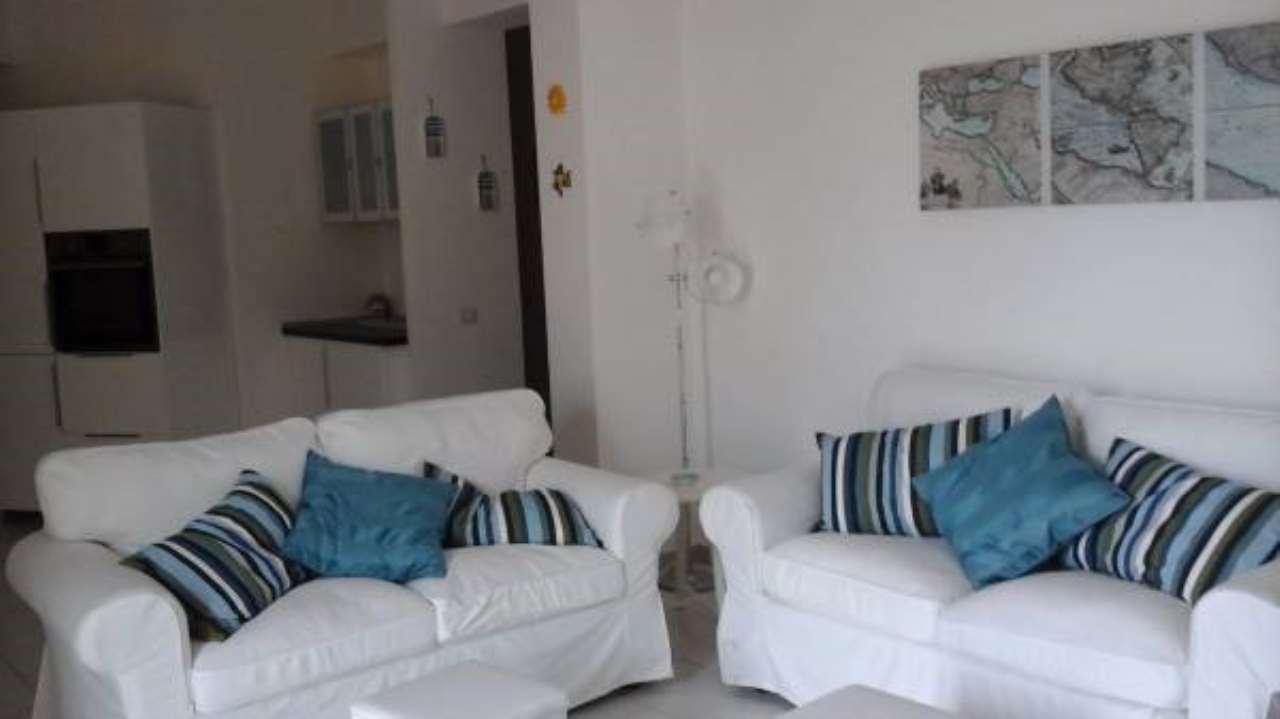 Appartamento in buone condizioni arredato in vendita Rif. 6789159