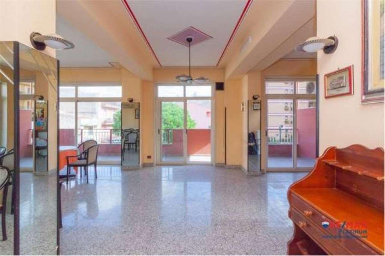 Appartamento in buone condizioni in vendita Rif. 6923587