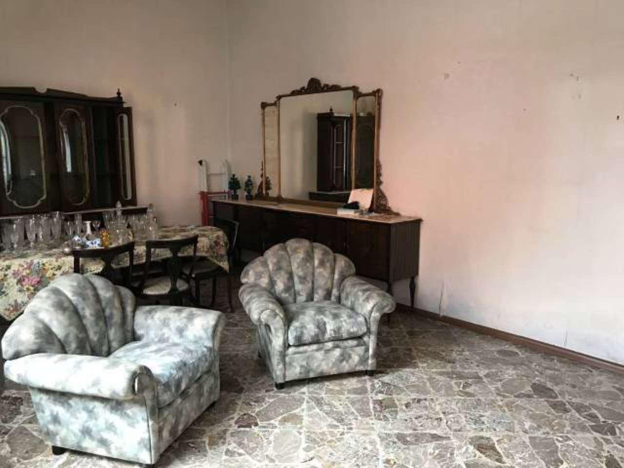 Appartamento da ristrutturare in vendita Rif. 6923598