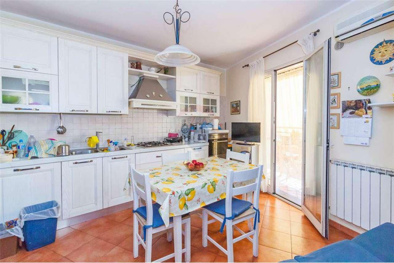 Appartamento in ottime condizioni in vendita Rif. 6701958