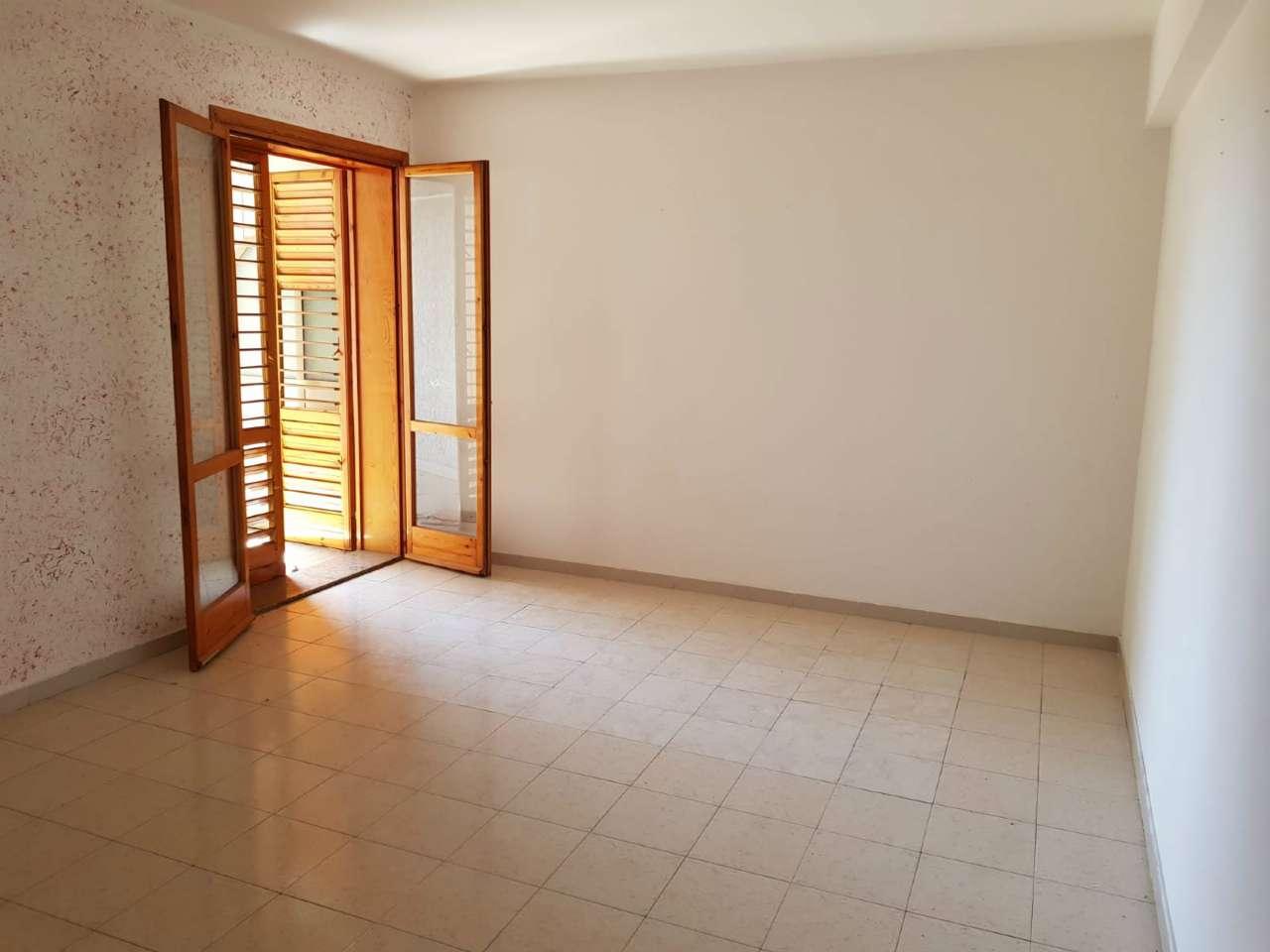 Appartamento in discrete condizioni in affitto Rif. 6789121