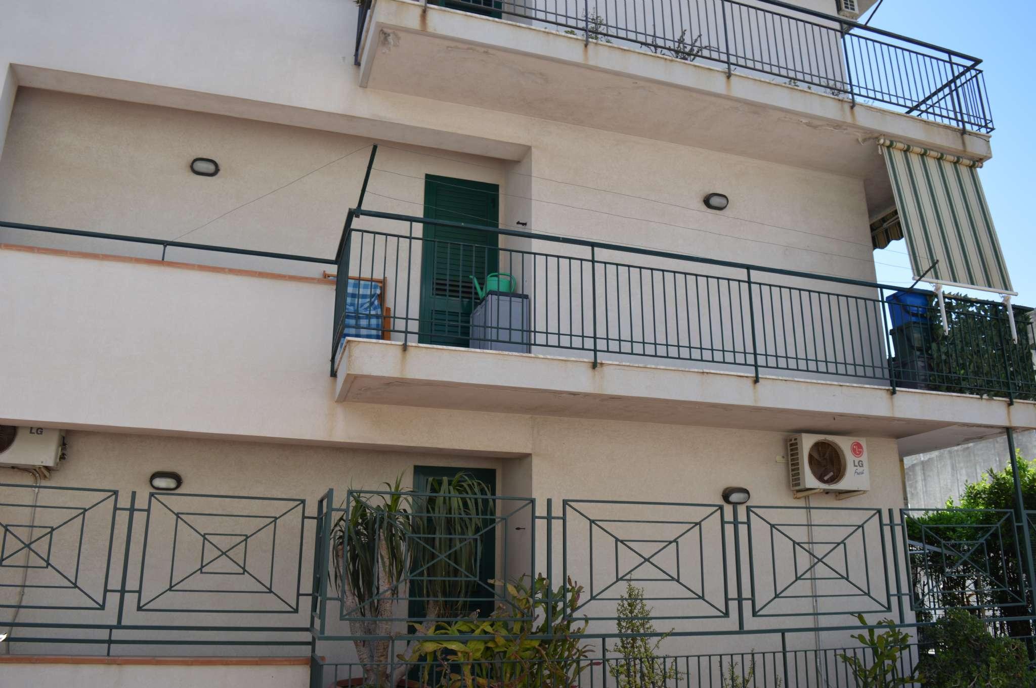 Appartamento in ottime condizioni in vendita Rif. 6923628