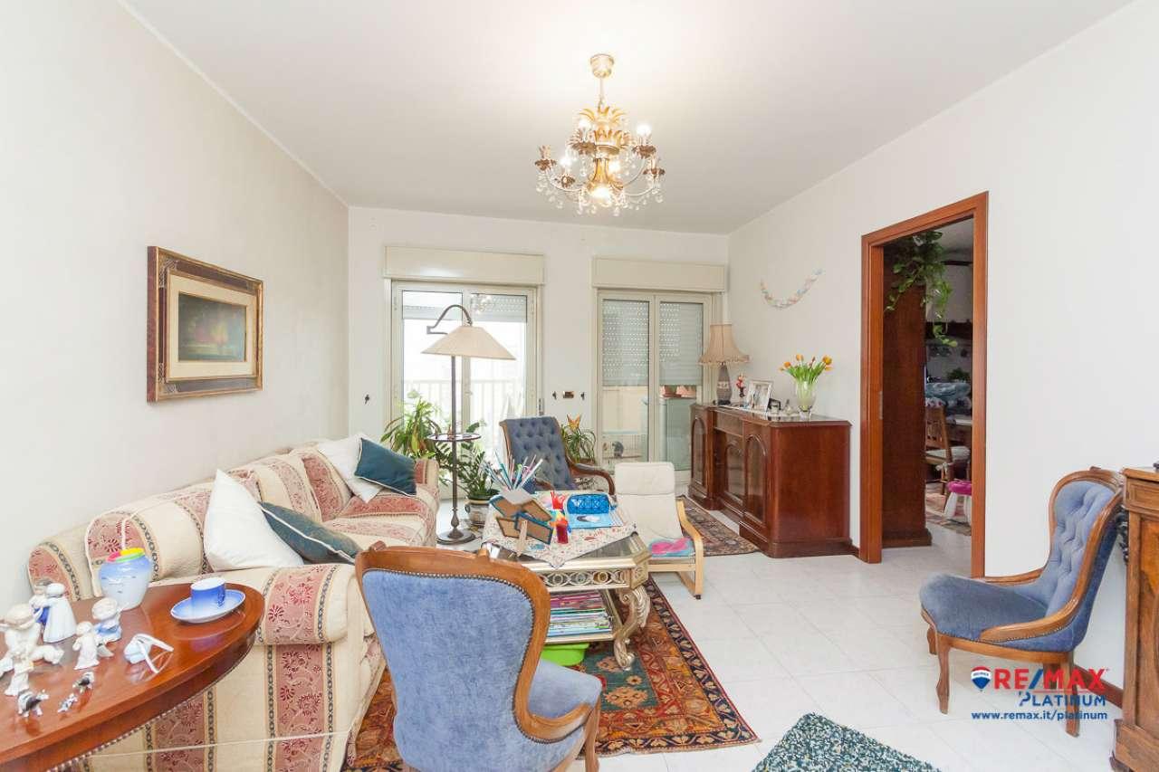Appartamento in ottime condizioni in vendita Rif. 7034192