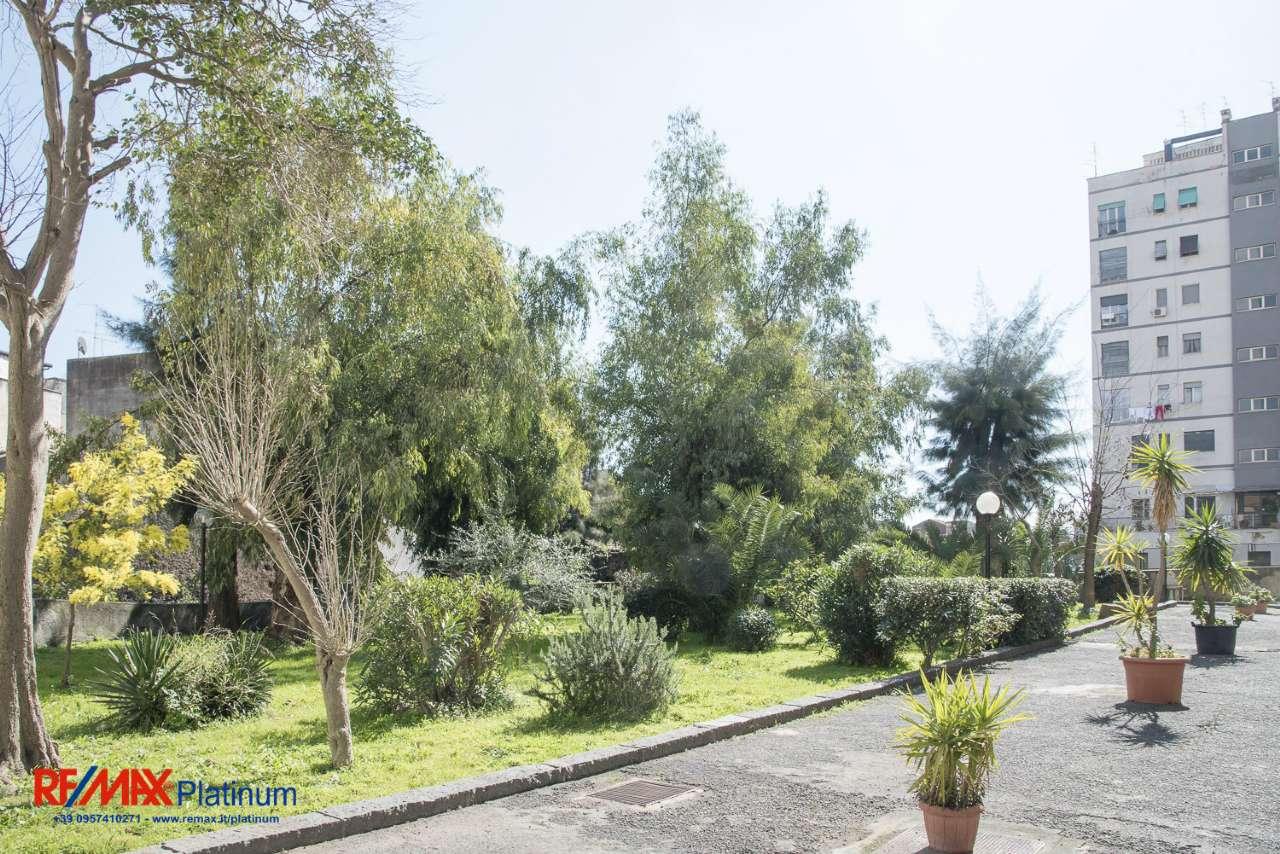 Appartamento in buone condizioni in vendita Rif. 7047381