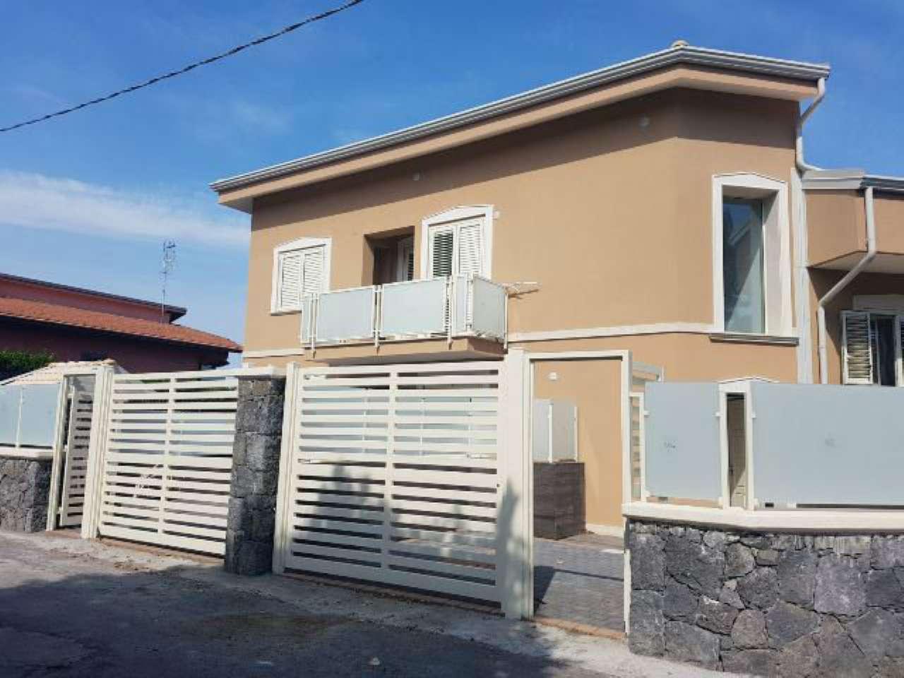 Appartamento in buone condizioni in vendita Rif. 6743382