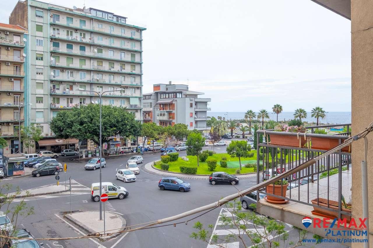 Appartamento in buone condizioni in affitto Rif. 7112047