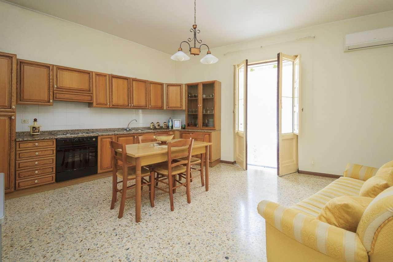 Appartamento in buone condizioni in vendita Rif. 7164963